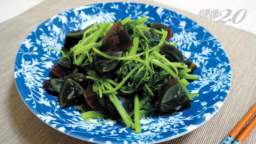 蔬菜類補鈣、補鐵冠軍「莧菜」!5種人最該吃 搭配1食物吸收率大增