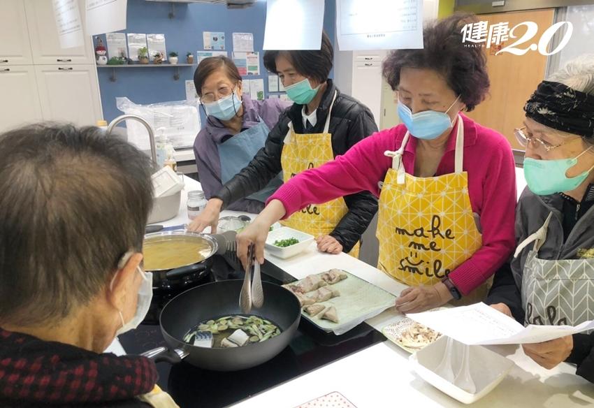 老人家最好少進廚房?烹飪可以防失智 長輩安全下廚5祕訣