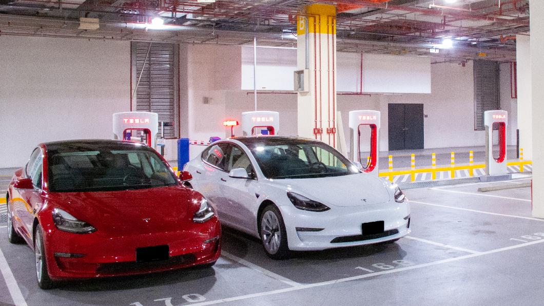 Tesla 在1/15正式開放「宜蘭女中路超級充電站」與「台北南港展覽館 2 館超級充電站」,目前全台 Tesla 超級充電站總數已達24座。(圖片來源/ Tesla) 北台灣再添2座Tesla超充站 全台超充站數達24座
