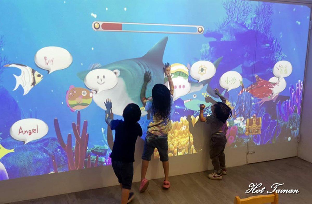 遛小孩一整天!台南粉圓店變身大型遊樂園,100元暢玩外星人AR遊戲