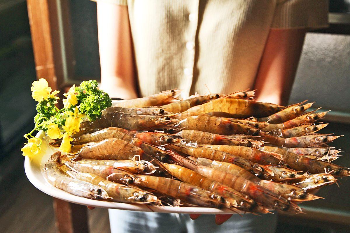 2月全台48間飯店、美食、飲料優惠:吃到飽龍蝦免錢、飲料買一送一、火鍋四人同行一人免費