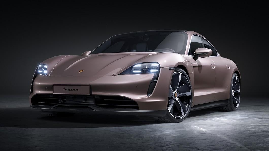 Porsche Taiwan正式引進Taycan入門車型,開出358萬元建議售價。(圖片來源/ Porsche) Taycan入主門檻下修115萬元 夢幻車色臺灣也能買
