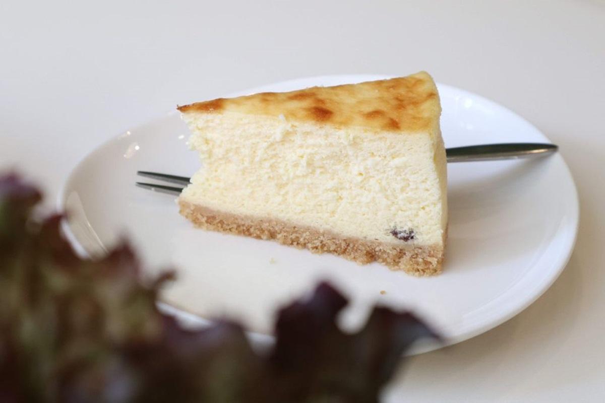 每日限量50個!超人氣乳酪蛋糕藏身巷弄小店,地中海風早午餐也必點
