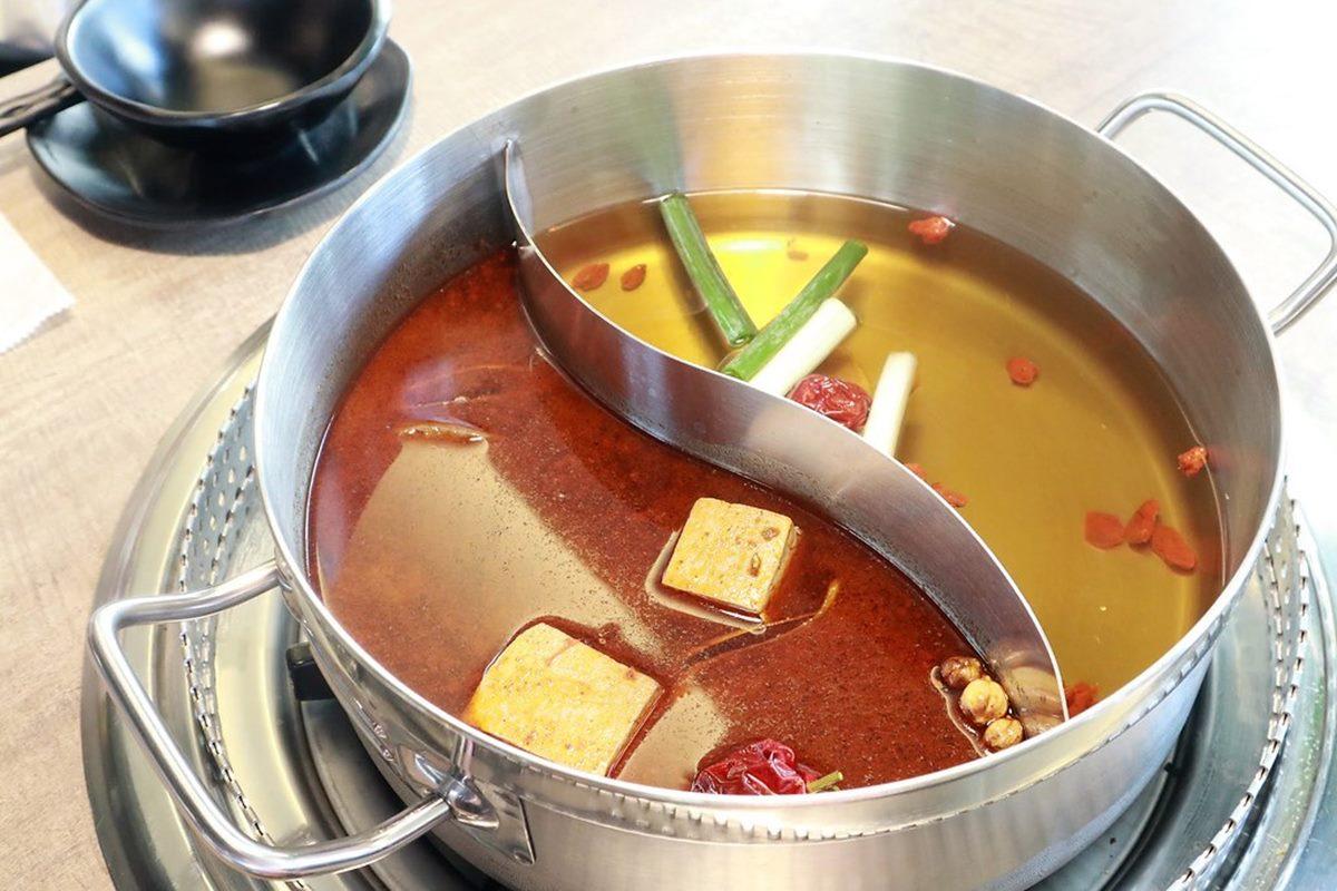 竹科人消夜趴!麻辣鍋澳洲和牛、九孔鮑魚吃到飽,還有紅白酒無限喝