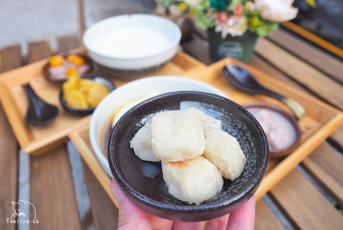 甜點控看這!板橋鹽滷豆花+蜜芋頭必吃,加碼再點現烤雲朵年糕
