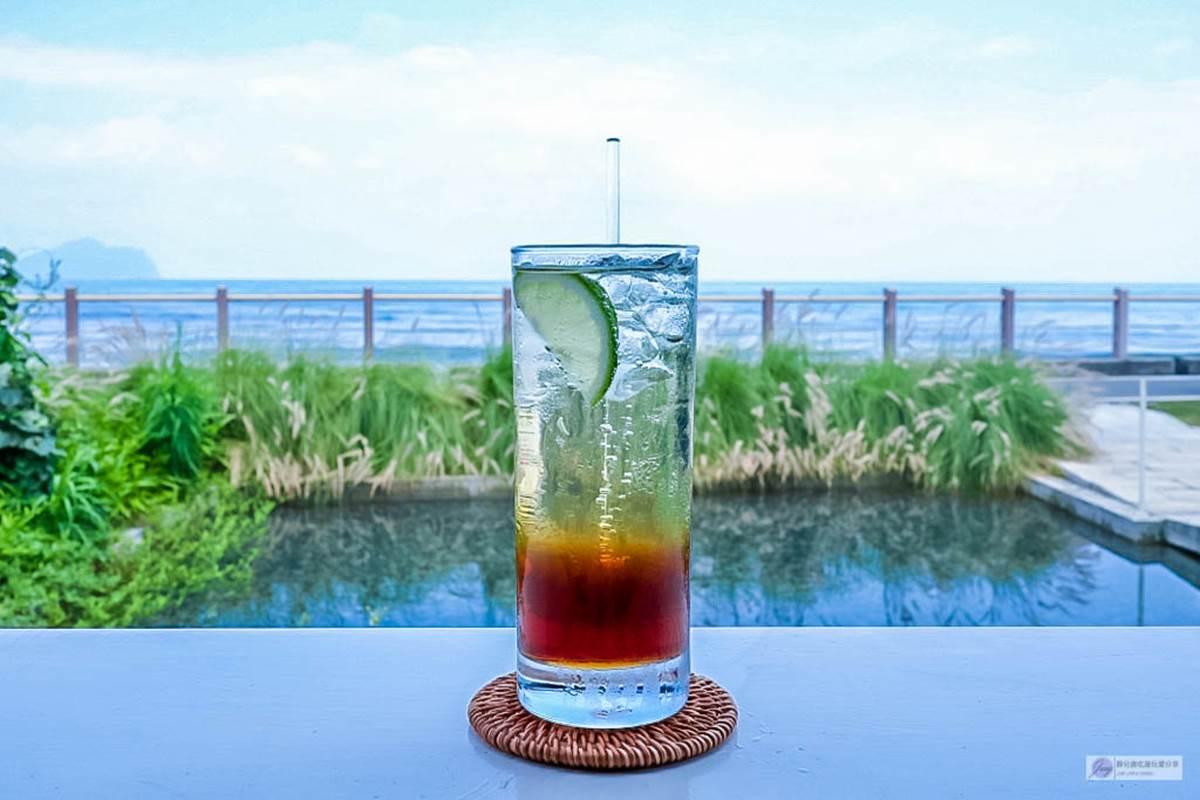 宜蘭隱藏版玻璃咖啡廳!坐網美沙發區嘗「焦糖不雷」,賞龜山島絕美海景