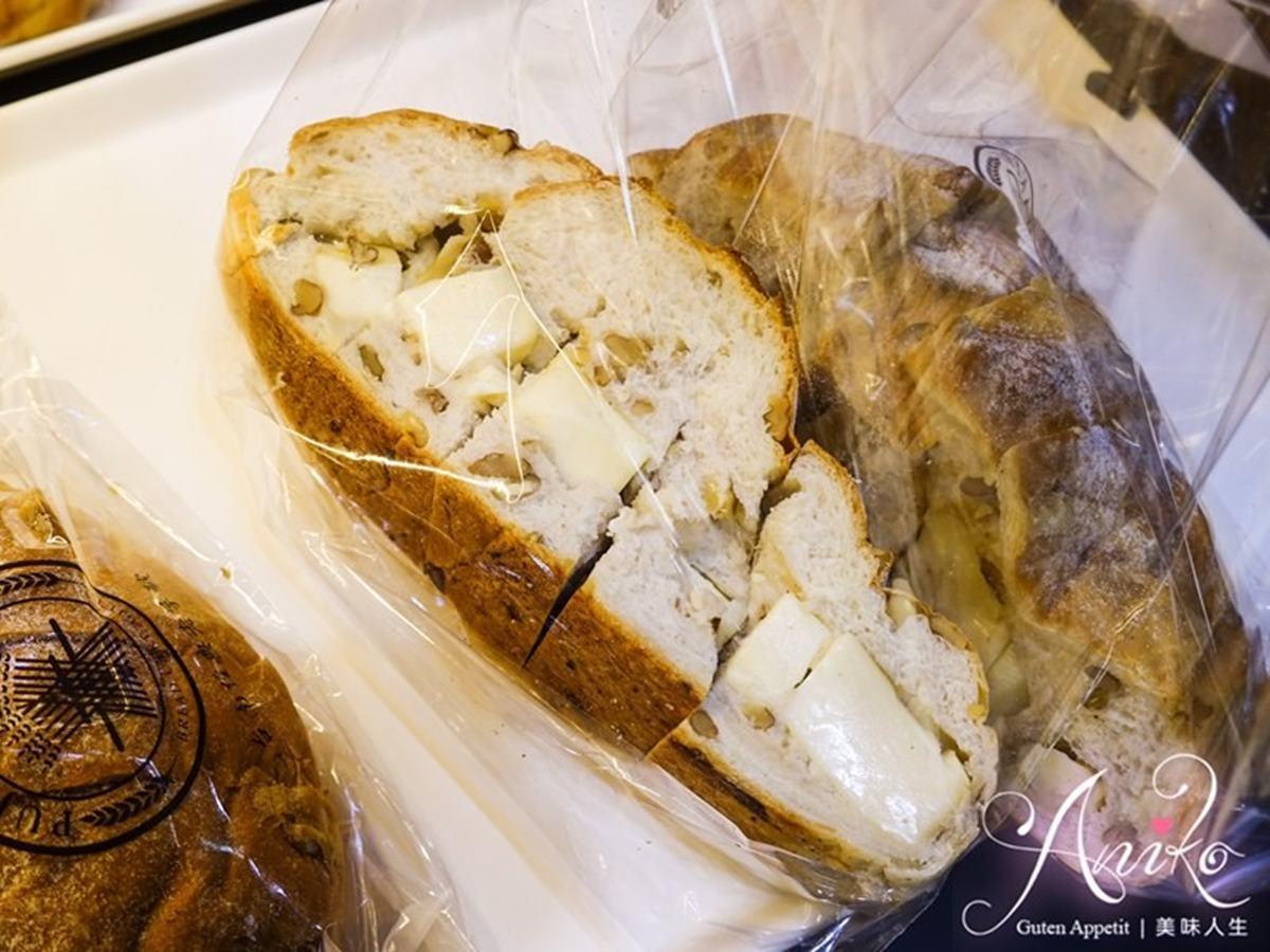 麵包控暴動了!台南超狂羅宋出爐就秒殺,在地人激推「毛毛蟲」