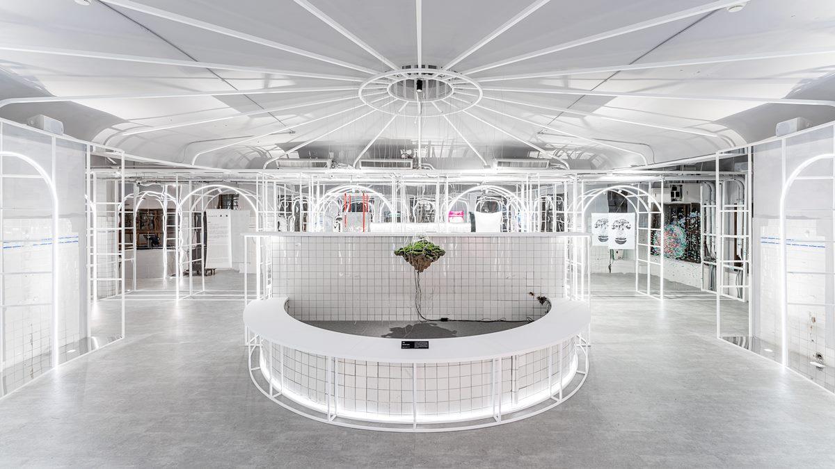 必須拍好拍滿!80年歷史日式澡堂變身「時髦光影展」,9位創作藝術家亮點搶先看