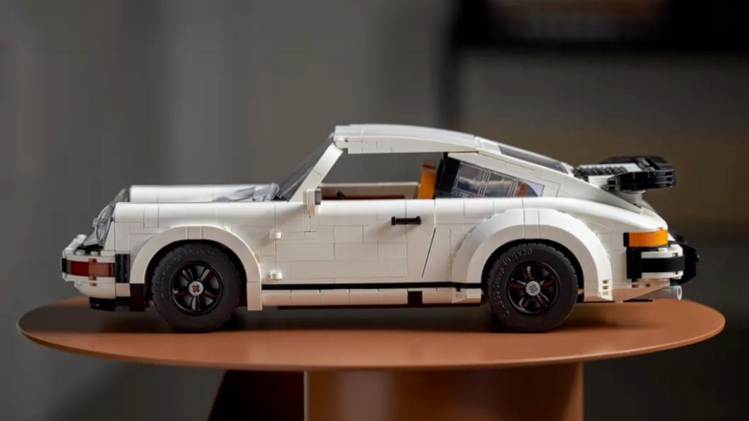 樂高在1/28發表了Porsche 911最新產品,可自由選擇要將這款Turbo車型或Targa車型。(圖片來源/ Lego) 樂高推出全新Porsche 911 Turbo、Targa一次滿足