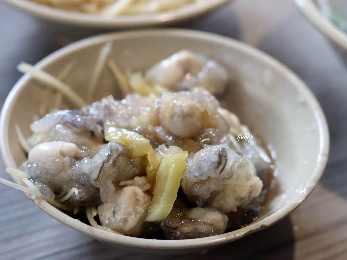老饕才知!板橋無招牌「乾蚵」鮮甜還會爆漿,加碼隱藏版浮誇乾麵吃法
