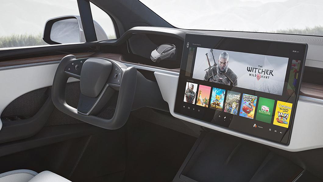 Tesla Yoke方向盤雖然引起話題,也引發安全性質疑。(圖片來源/ Tesla) 特斯拉超炫方向盤恐有安全疑慮 美國運輸部:需深入了解