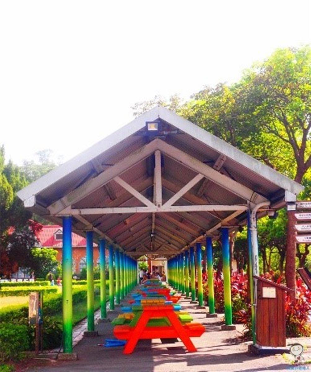 大人小孩都愛!森林度假村陽台就能賞整片花園美景,打卡必衝螢火蟲劇場、恐龍公園