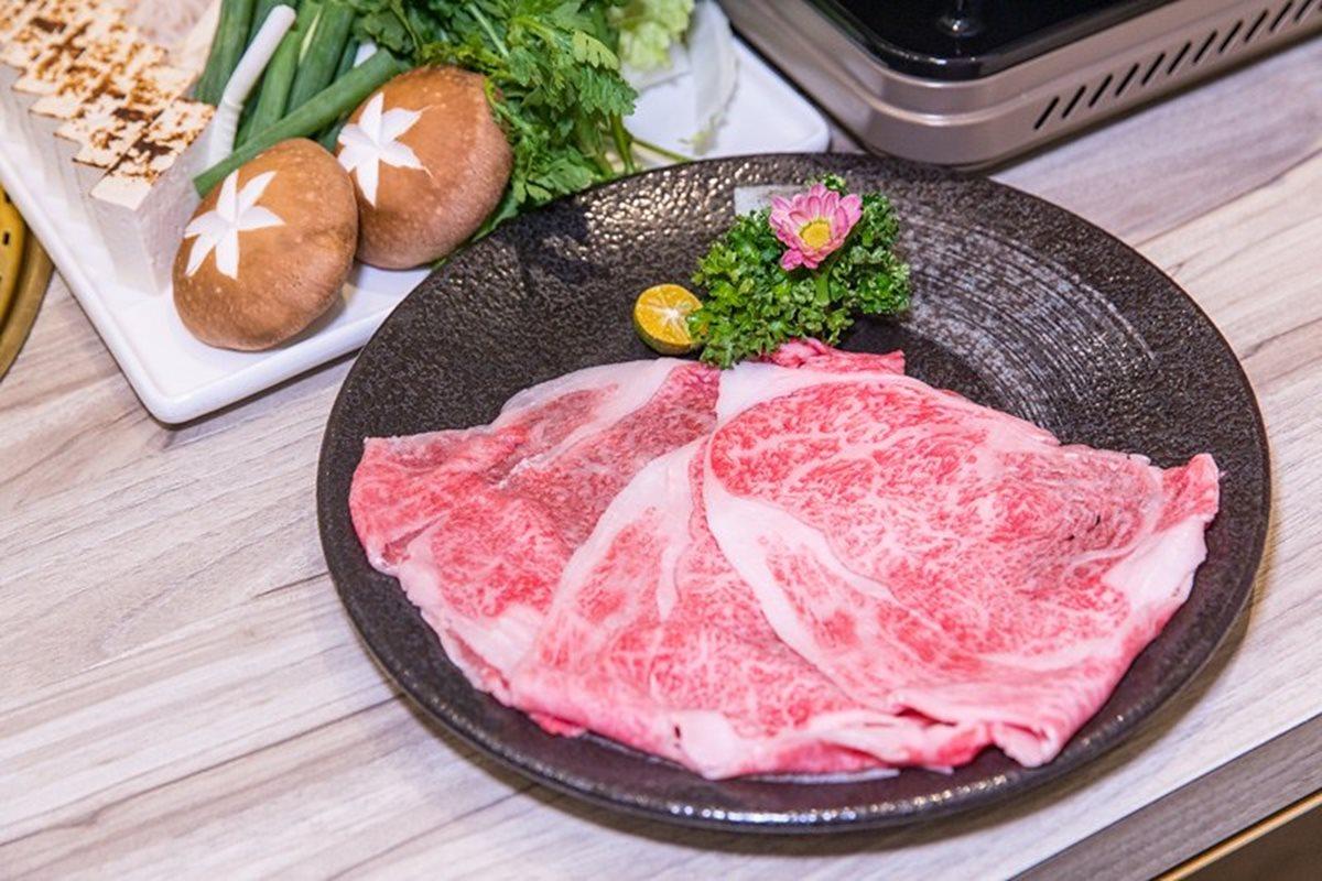 1秒到日本!台中巷弄豪宅隱藏道地「關東風」壽喜燒,A5和牛涮自製醬汁一吃上癮