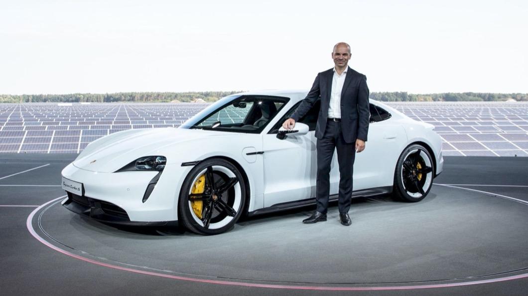 Manfred Harrer博士被認為是VAG集團當中最優秀的工程師之一,同時也是底盤領域的專家。(圖片來源/ Porsche) 蘋果挖角保時捷底盤專家 瞬間激增一甲子操控功力?