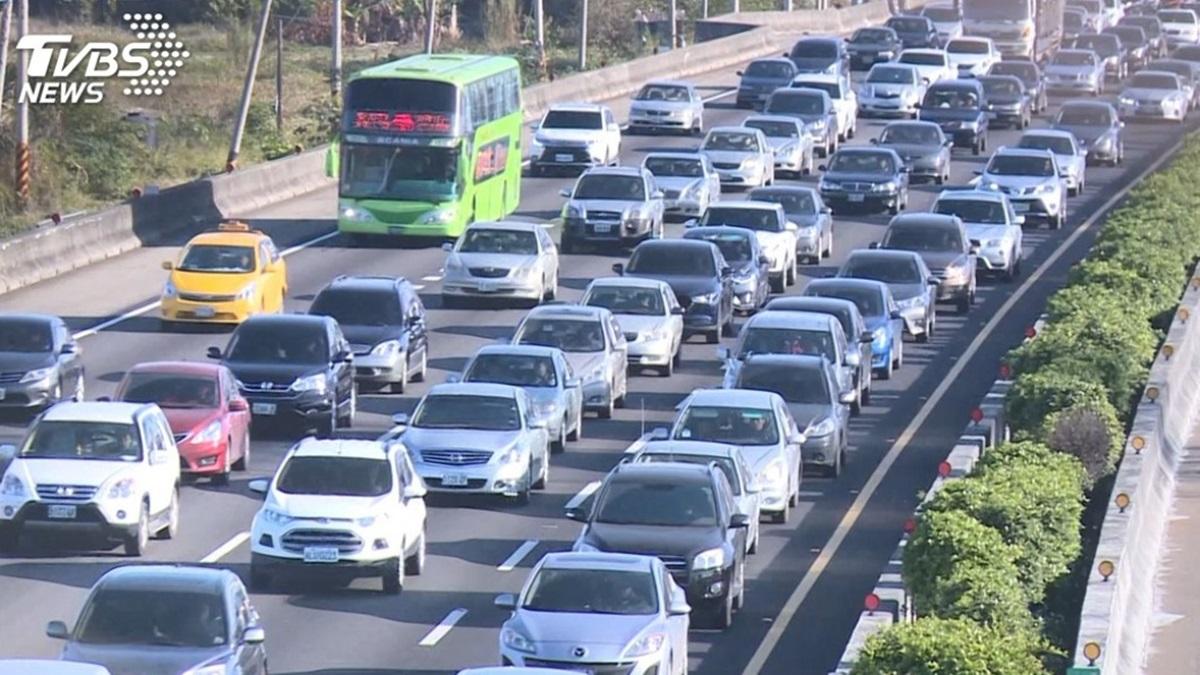 228連假緊接來!國道「6大疏導措施」看這篇,收費狀況+封閉路段先記好