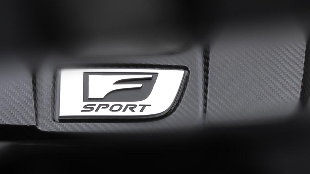 Lexus釋出神秘F Sport引擎飾蓋預覽圖。(圖片來源/ Lexus) Lexus預告推新F Sport車型? 真面目眾說紛紜