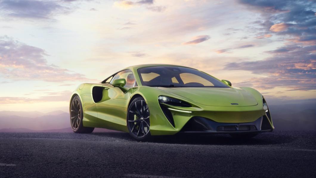Mclaren於2/16發表品牌首款高性能插電式油電混合動力超跑Artura。(圖片來源/ Mclaren) McLaren首款PHEV超跑問世 Artura純電行駛沒問題!