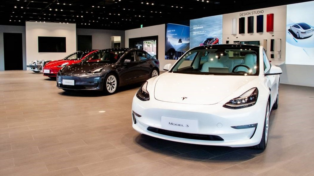 Tesla針對美國市場Model 3與Model Y進行售價調整,降幅最高達2,000美元。(圖片來源/ Tesla) 特斯拉美國再降價 臺幣70萬內Model 2有望年底現身