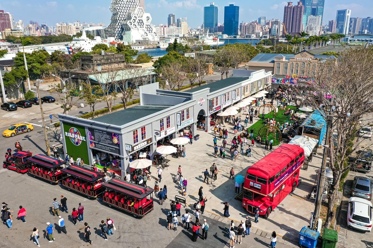 全台首座「7D浮空電影院」在這裡!最新網美點「懷舊戲院市集」,整排復古商店街必拍