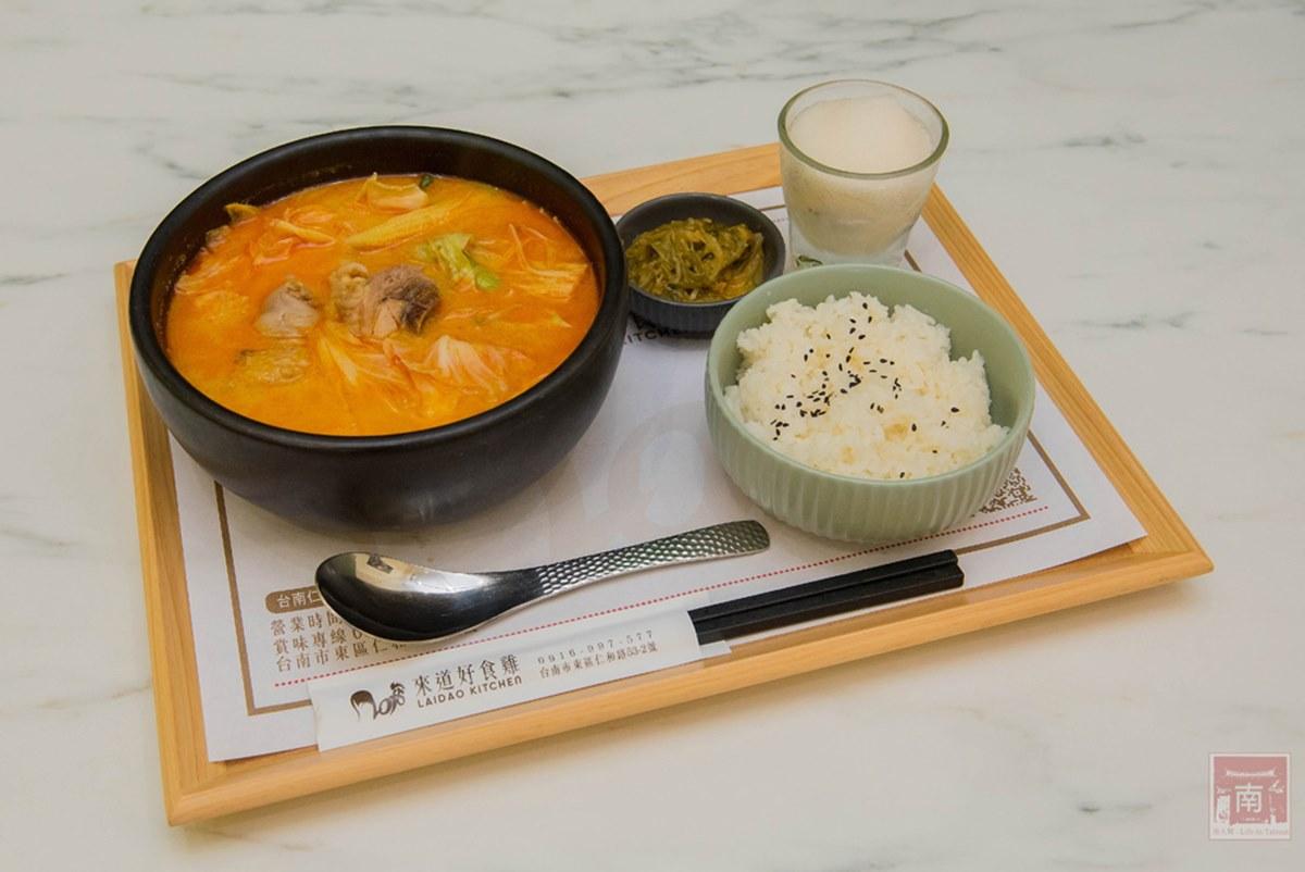 山東名菜台南吃得到!「黃燜雞」肥嫩下飯,套餐附湯、小菜、冰沙149元超划算