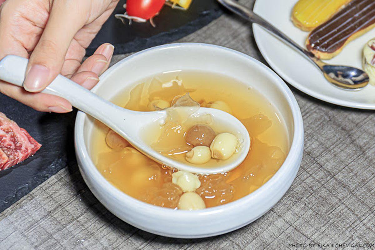 沙拉吧吃到飽還送雞湯!台中燒肉名店和牛撒玫瑰鹽就好吃,活跳跳泰國蝦現撈冰鎮上桌