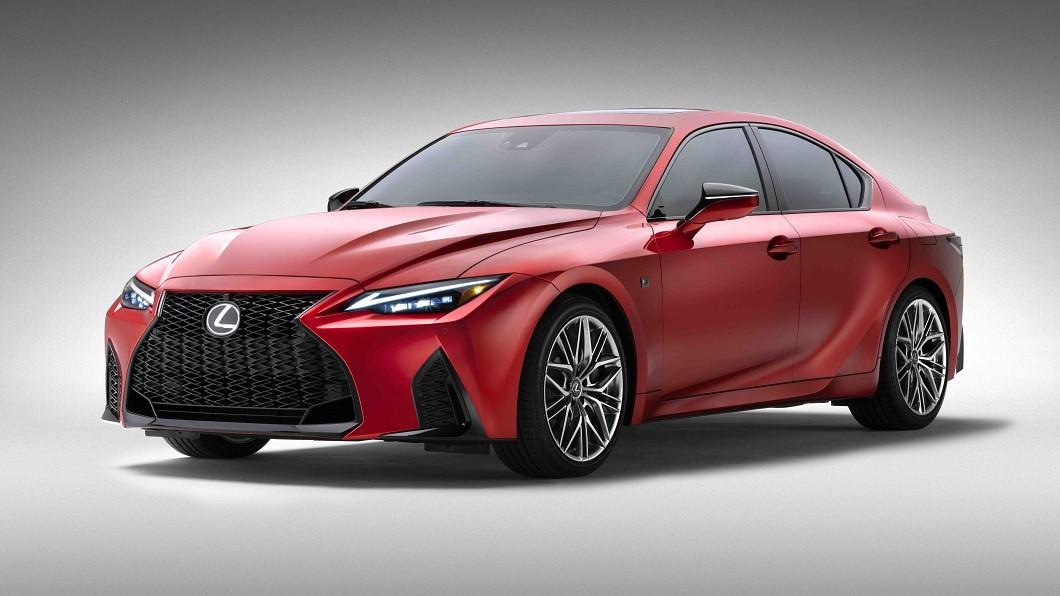 Lexus IS 500 F Sport Performance開價57,575美元(約159.4萬新台幣)。(圖片來源/ Lexus) Lexus IS 500 F不到160萬 C/P值狂勝C 43、M340i
