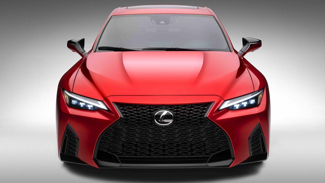 Lexus神秘F Sport車款真面目曝光,為植入5.0升V8引擎的IS 500 F Sport Performance。(圖片來源/ Lexus) IS 500 F Sport Per.完整曝光 V8自然進氣才夠嗆