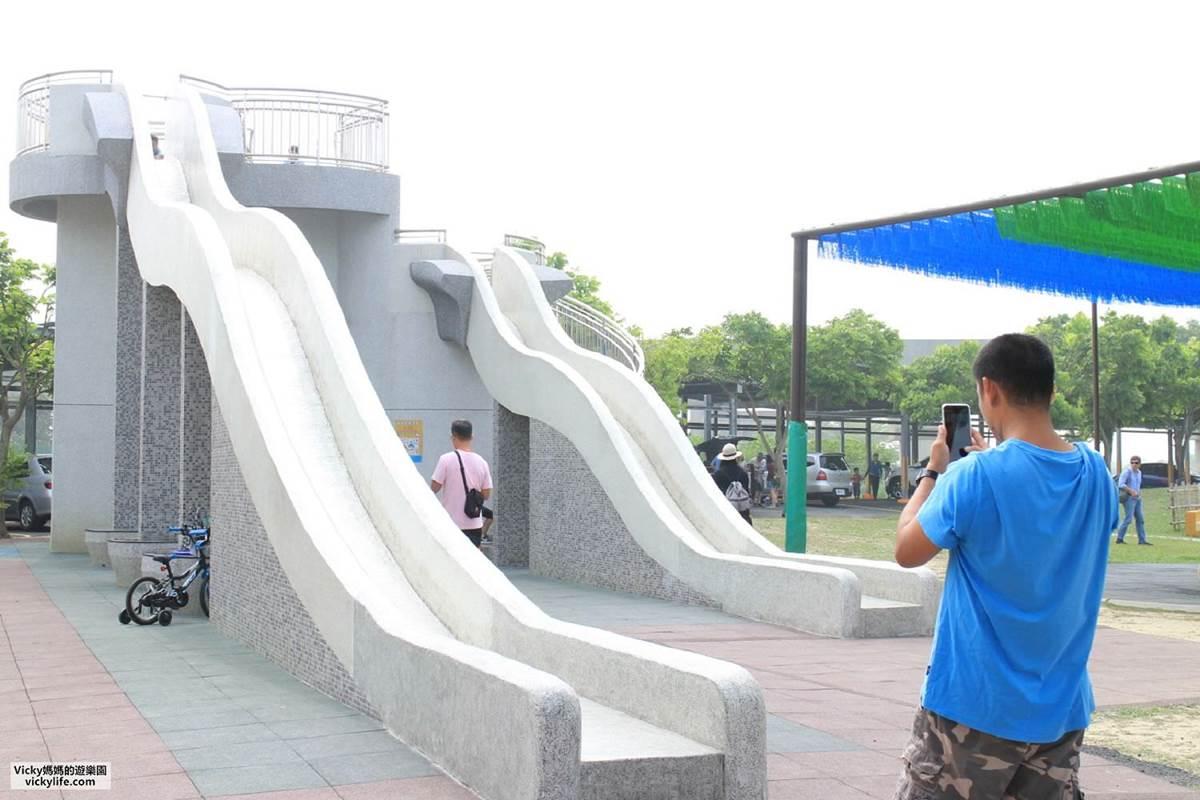 不只有菱角!台南官田親子遊4打卡點:百年大綠傘、無邊際景觀池、「菱香舟影」奇景
