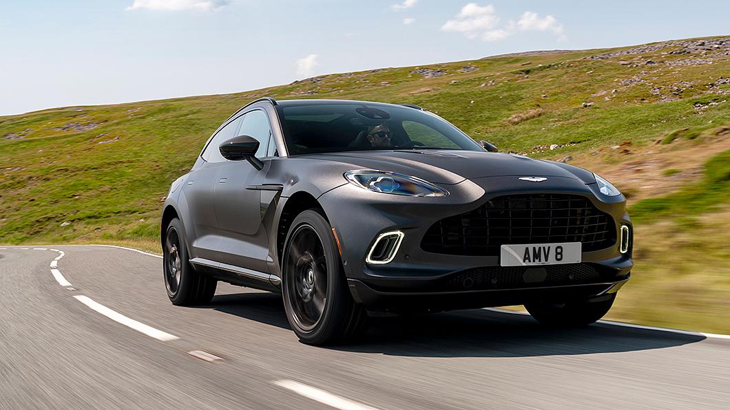 Aston Martin DBX將於2024年推出PHEV動力車型。(圖片來源/ Aston Martin) 賓士PHEV動力入注 DBX將於2024年推油電動力車型