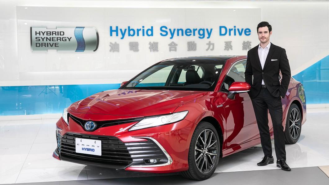 Toyota宣告小改款Camry正式在臺發表上市。(圖片來源/ Toyota) 進口Camry下殺百萬元內 92.9萬元起全面升級TSS 2.0