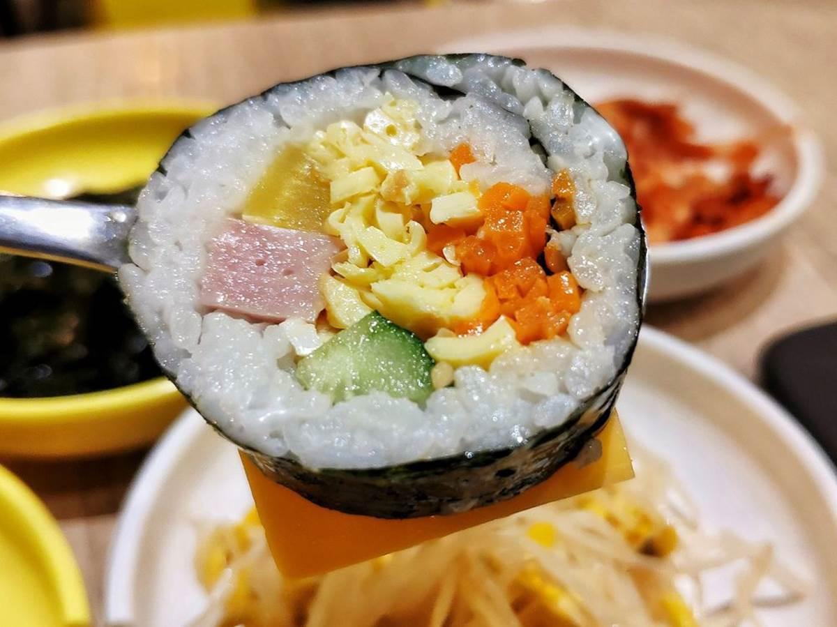 一秒到首爾!新北3家「歐爸」開的韓式料理:小菜無限續、水晶烤盤烤肉、起司陷阱飯捲