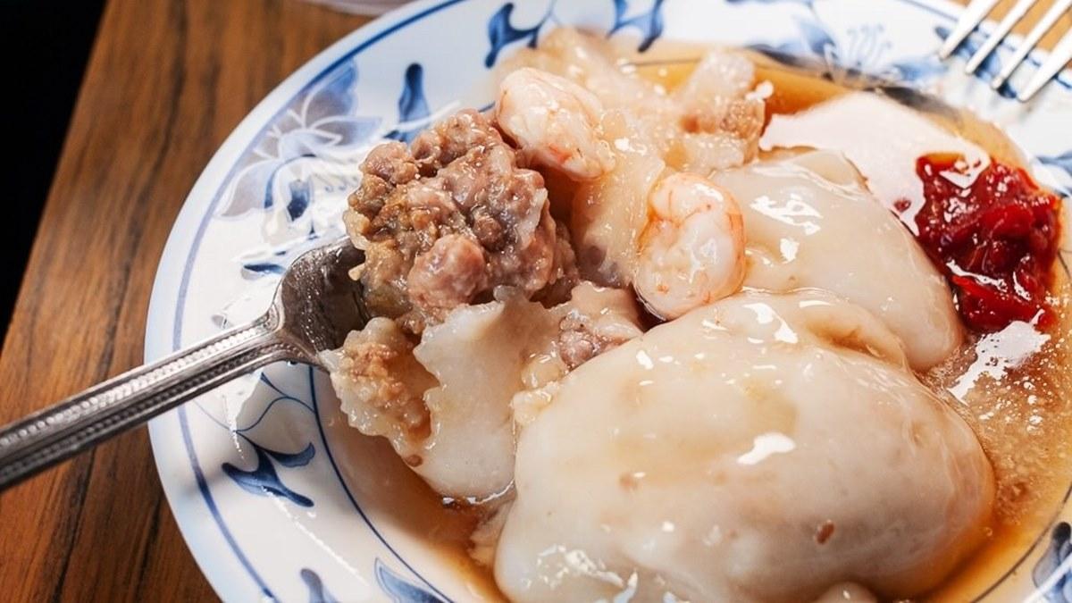 百年市場嗑美食!台南「鴨母寮」超夯7攤:50年粉腸三色蛋、火燒蝦肉圓、巨無霸布丁