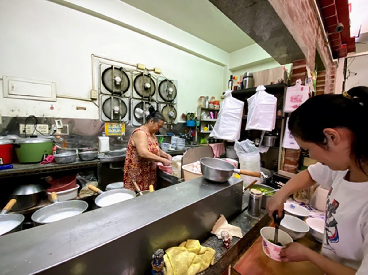金門人激推!「無米」口感廣東粥晚來真的吃不到,在地經典早餐組合加點這一味