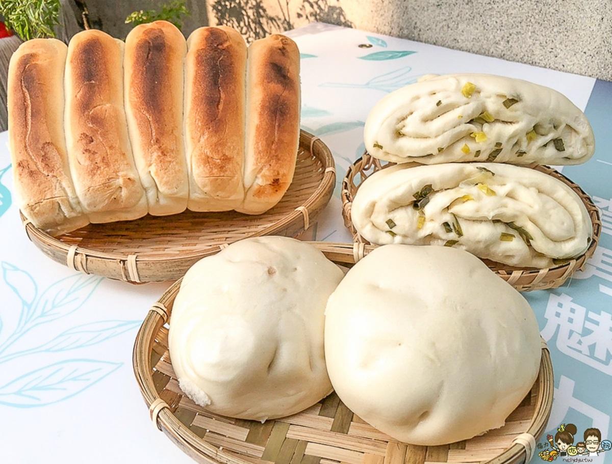 能吃的棒球手套!鳳山飄香40年「鍋貼饅頭」只賣15元,蔥香花捲吃了會回味