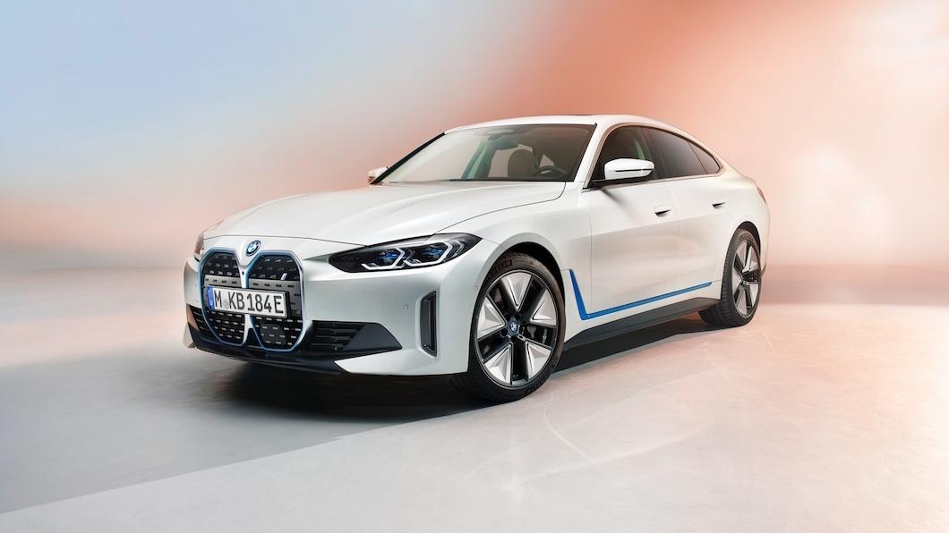 BMW釋出量產版i4純電跑房車,採用新世代eDrive電動車平台。(圖片來源/ BMW) 續航里程達590公里! BMW純電四門跑車i4正式亮相
