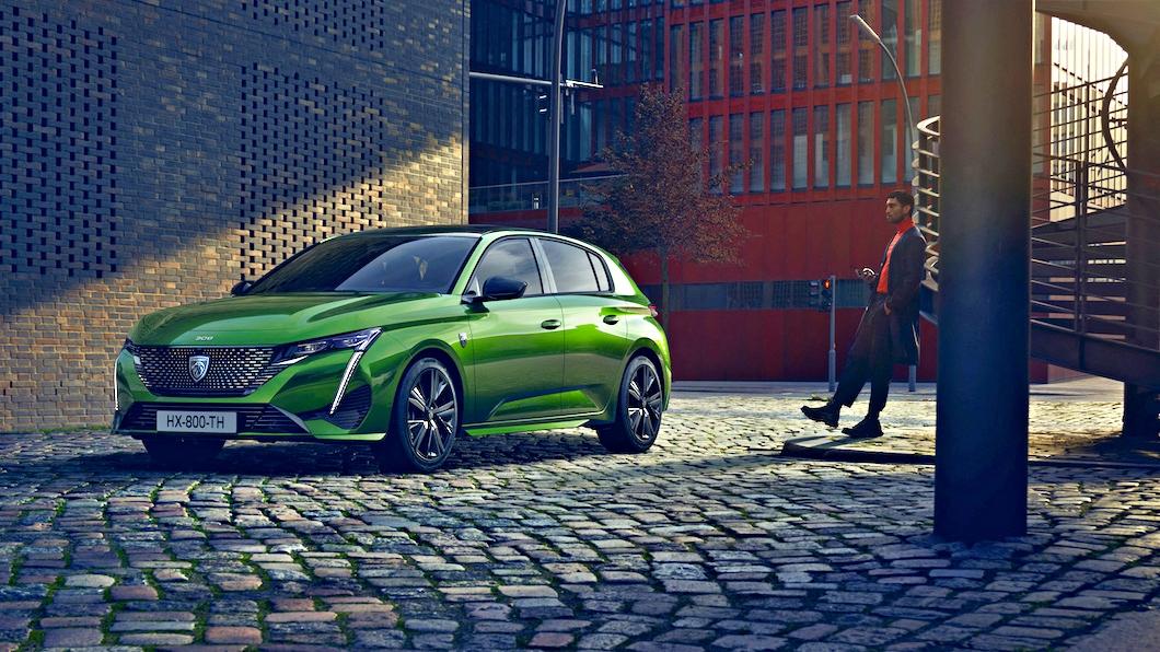 Peugeot發表全新一代308,正式用上全新設計盾形廠徽。(圖片來源/ Peugeot) 大改Peugeot 308有夠殺 新獅徽加持更有煞氣