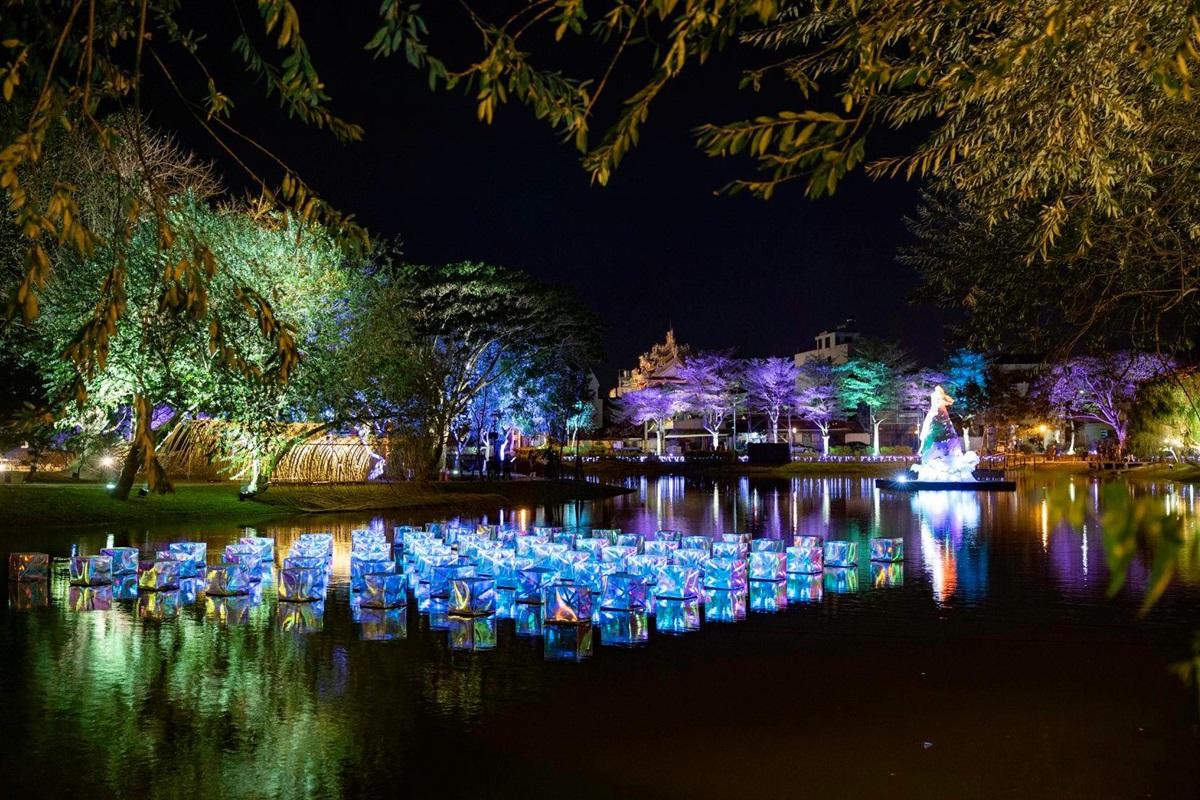台版「京都鴨川祭典」這裡逛!網美燈節首度在夏季,長達23天可拍燈光裝置、水畔市集
