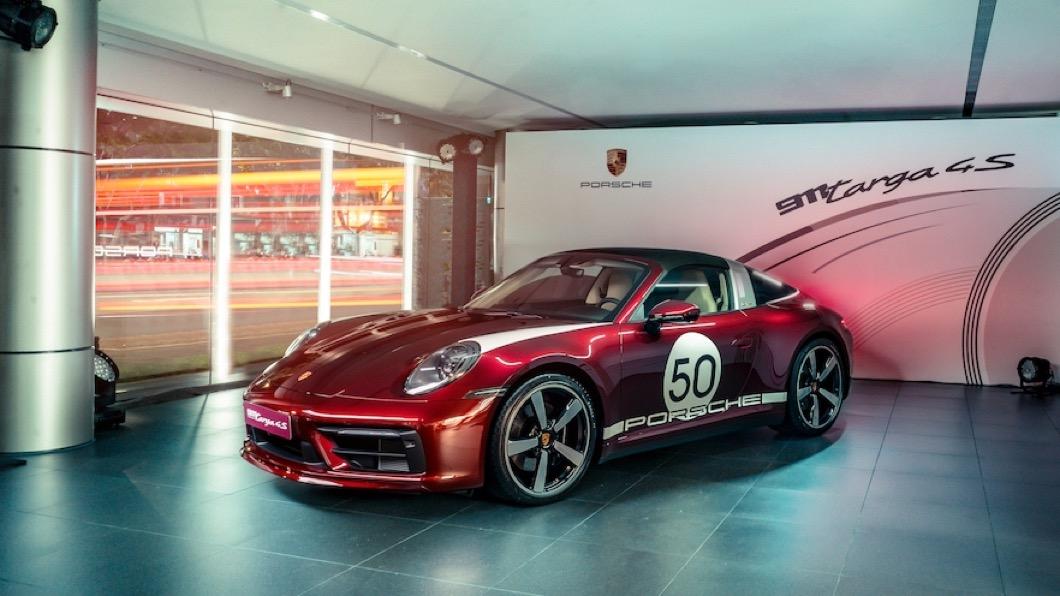 Porsche Targa具備特殊的敞篷收摺機構,帶來與眾不同的風貌呈現。(圖片來源/ Porsche) 全台僅14輛 911 Targa 4S特仕車限量抵台