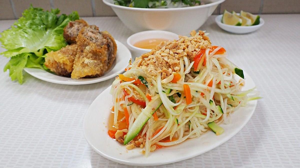 部落客大推!士東市場5家必吃:祖傳雙醬麵、限量牛肉河粉、明星也愛眷村菜