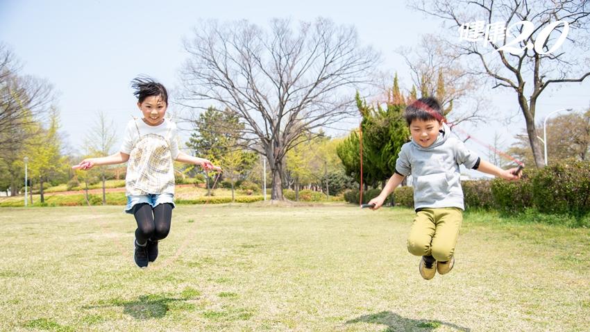 怕孩子矮胖、早熟?兒科醫師說,做到「這件事」通通都能預防