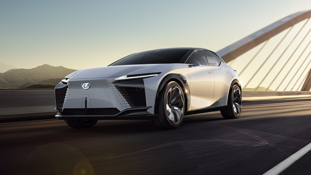 Lexus全新電動概念車LF-Z Electrified發表亮相。(圖片來源/ Lexus) Lexus新概念車曝光電動化戰略 豐田章男:我要認真了!