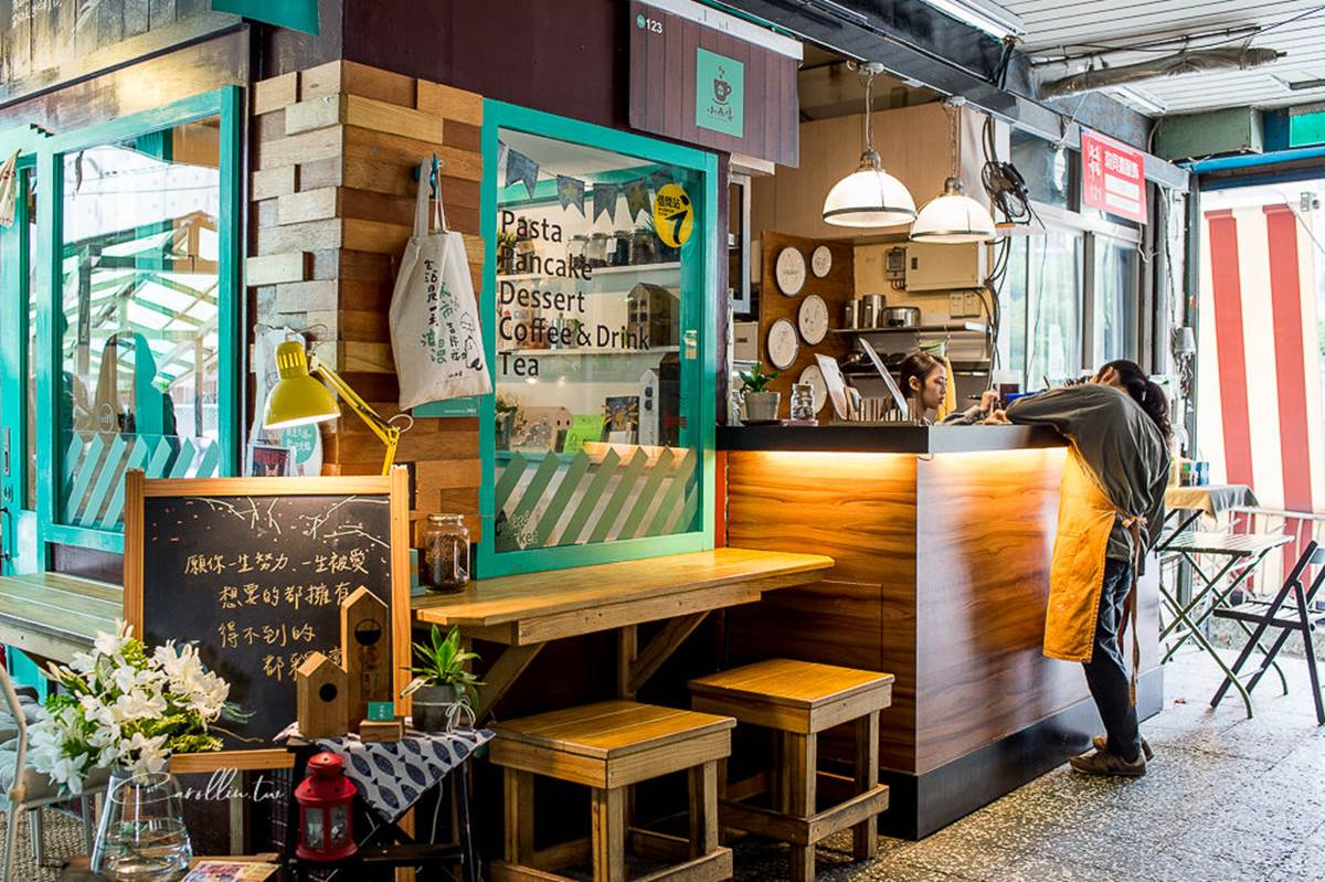 在地人才知!基隆市場3攤古早味:米粉湯配腰尺、50年手工肉圓,加碼「台義混血咖啡店」