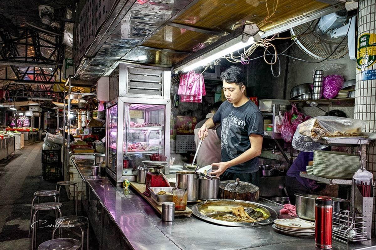 在地人才知道的早餐!菜市場「Q彈米苔目」能當珍珠吃,噴香小菜讓人每樣都想點