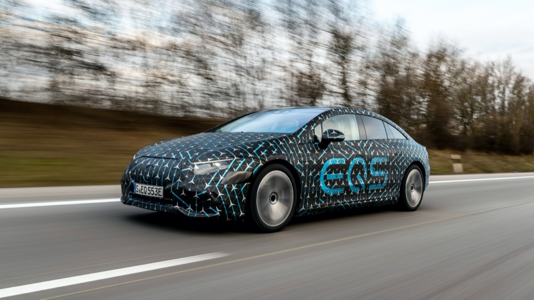 M-Benz全新電動旗艦EQS即將於4/15正式亮相。(圖片來源/ M-Benz) EQS電動車續航力近800公里? 快充15分鐘可跑300公里