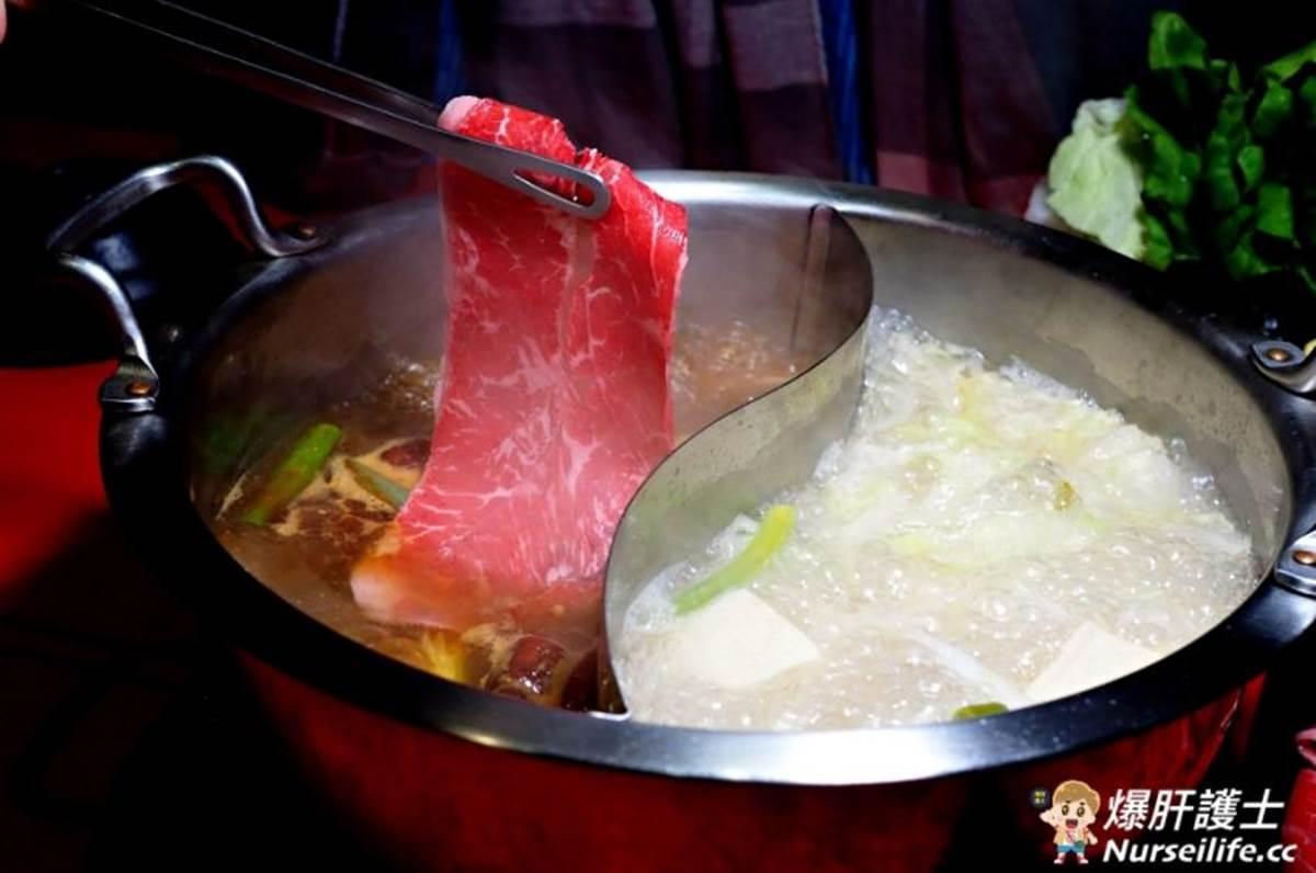 生日送15盎司肉盤!「鬼椒麻辣鍋」必點私房綜合老滷,手打蝦仁漿放入一整隻草蝦
