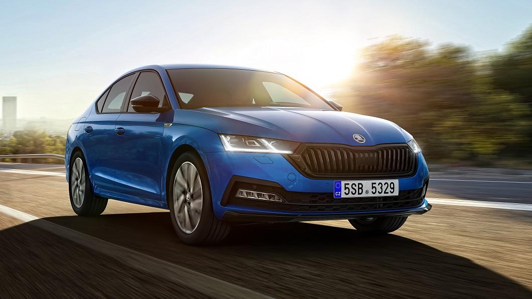 Škoda為Octavia推出Sportline套件,瞄準有個性需求買家。(圖片來源/ Škoda) Octavia強推Sportline套件 黑化運動更帥氣