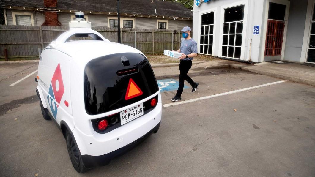 德州達美樂推出無人自駕車外送服務。(圖片來源/ 達美樂) 領先蘋果、谷歌? 達美樂無人自駕外送車上線服役