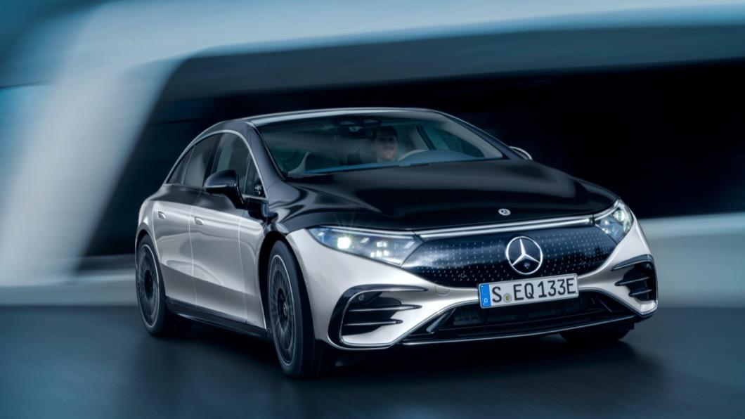 M-Benz在豪華電動車領域的全新力作EQS終於在4/15正式亮相。(圖片來源/ M-Benz) 充電15分!從台北到台南 賓士最新電動旗艦EQS登場