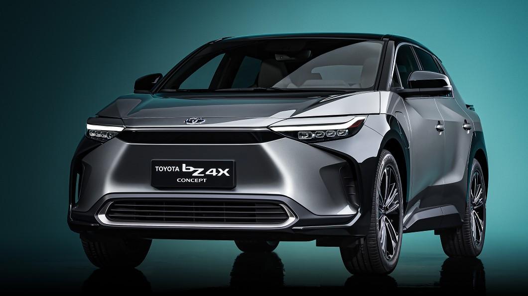 Toyota依約於2021年上海車展發表中型電動休旅b4ZX。(圖片來源/ Toyota) bZ4X電動休旅確定明年量產 Toyota bZ電動車家族成形