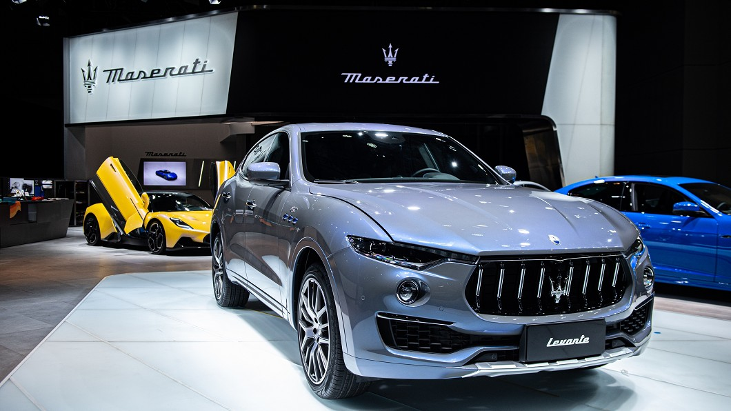 Levante 2.0於上海車展發表時,身穿Maserati全新Fuoriserie豪華客製化項目訂製的Azzurro Astro金屬三層湛藍漆面。(圖片來源/ Maserati) 最入門海神休旅年底抵台 Levante 2.0上海車展先放電!